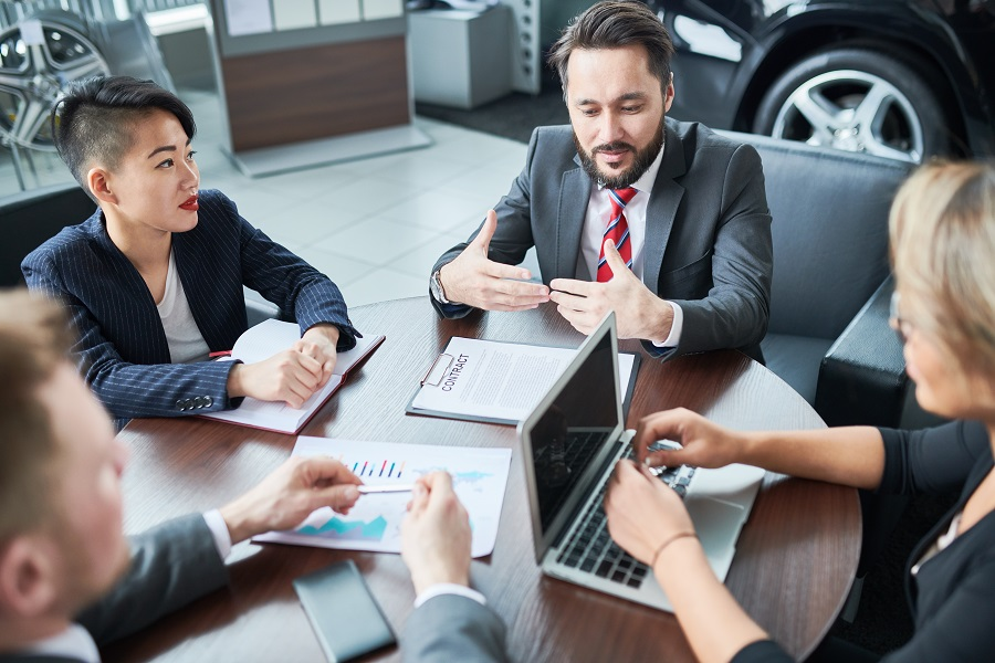 This-Holiday-Season-Make-It-Easy-On-Yourself-By-Hiring-An-Internet-Marketing-Agency-For-Car-Dealerships